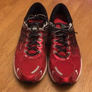 Brooks Transcend 2 running shoes. Size 11